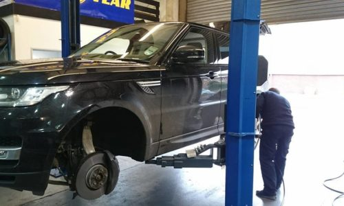 "HiQ Maidstone 21"" tyres being fitted"