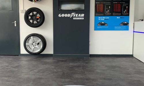 HiQ Tyres & Autocare Horley-interior-tyre wall.jpg