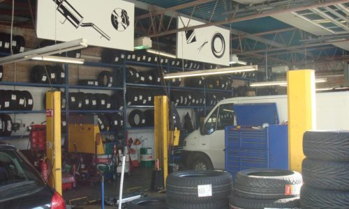 HiQ St Austell - Tyres in stock in all brands and sizes