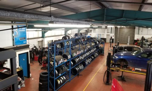 Hi Q Tyres Autocare Telford workshop and cars