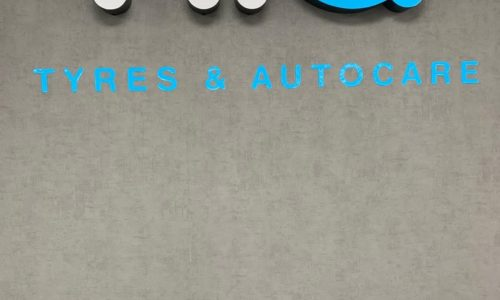 HiQ Tyres & Autocare Hedge End Signage-Sign-new.jpg