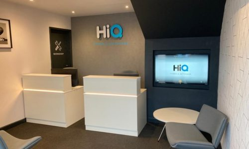 HiQ-Tyres-Autocare-Havant-waiting-area-and-TV-display.jpg