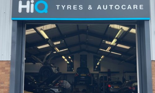 HiQ-Tyres-Autocare-Walsall-Entrance-and-HiQ-sign.jpg