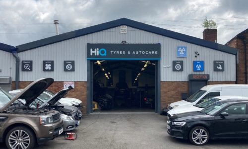 HiQ-Tyres-Autocare-Walsall-entrance-to-centre-and-HiQ-logos.jpg
