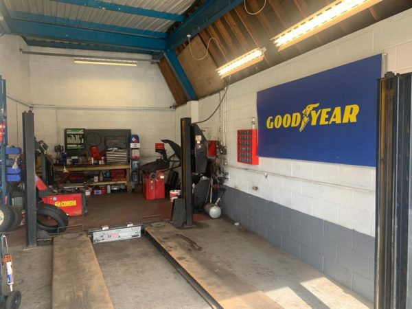 Hi Q Tyres Autocare Horley workshop with GY